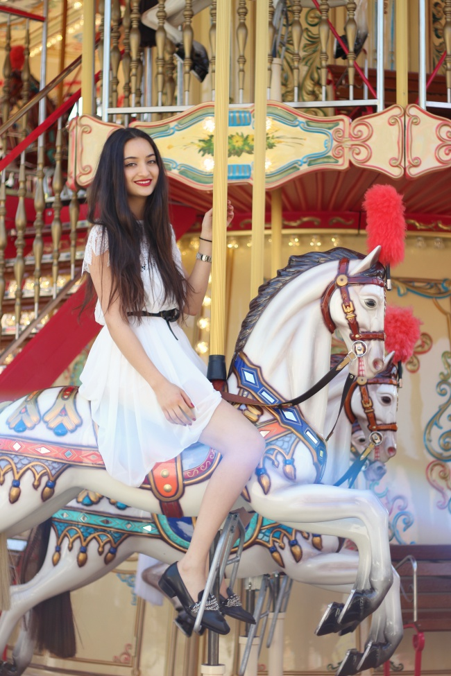 carousel_fashion
