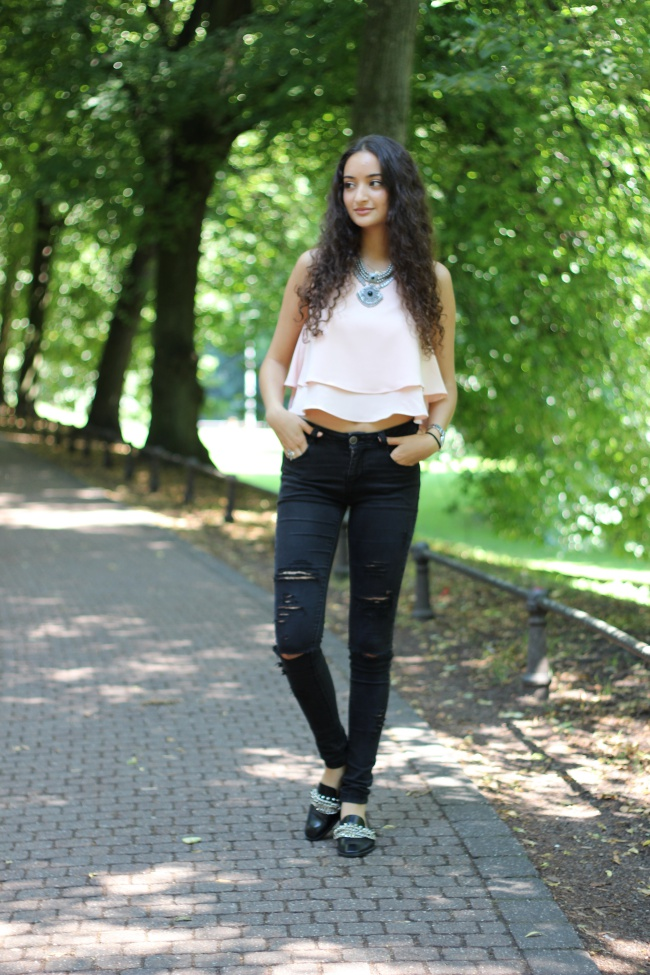 diy_black_distressed_jeans