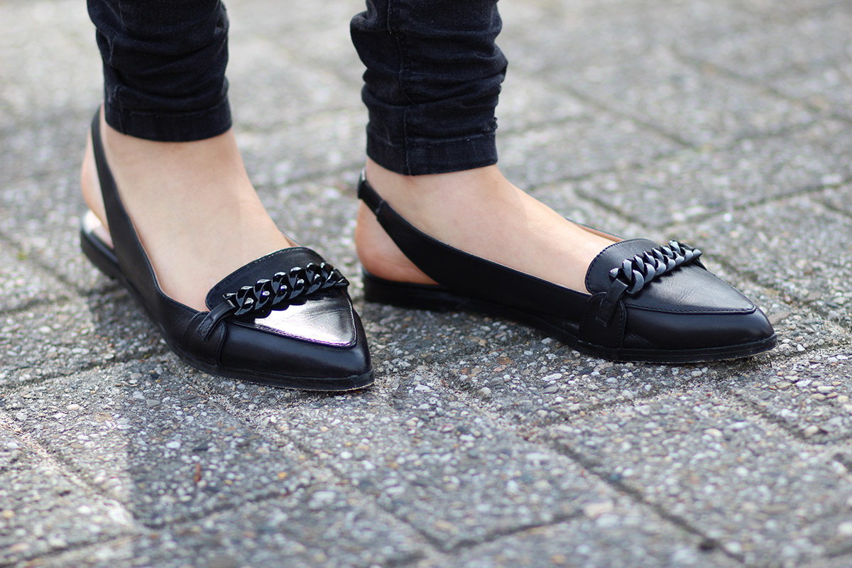 Pointy-chain-loafers