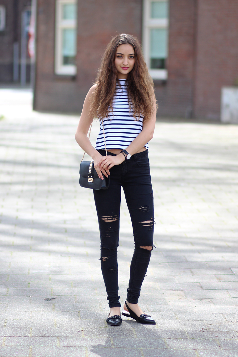 distressed_jeans_black