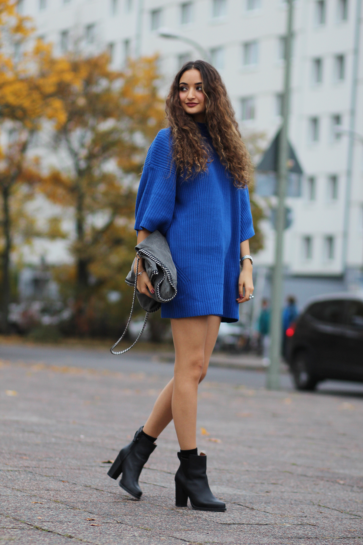Blaues_strickkleid