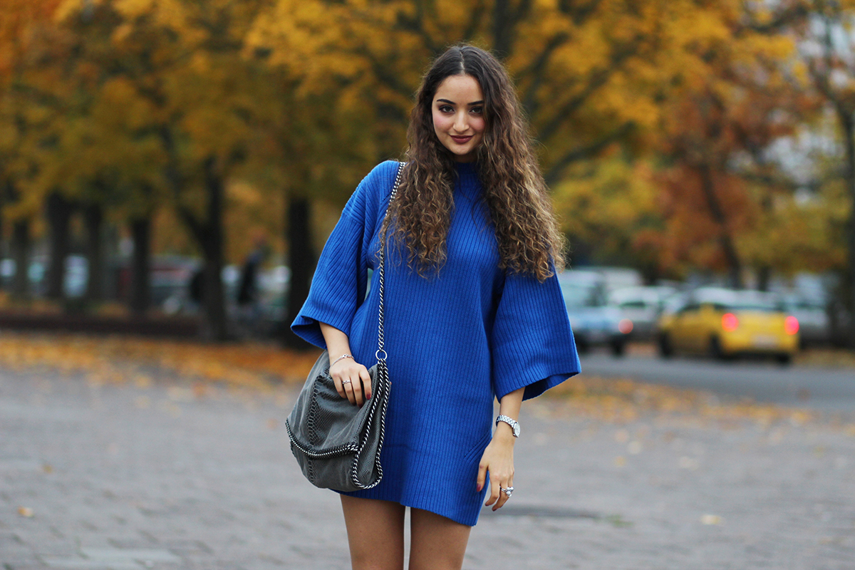 Knitted_dress_blue