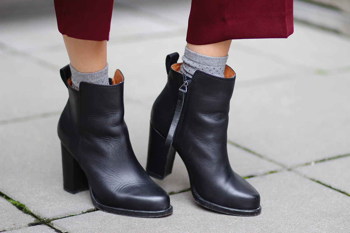 Leather-booties