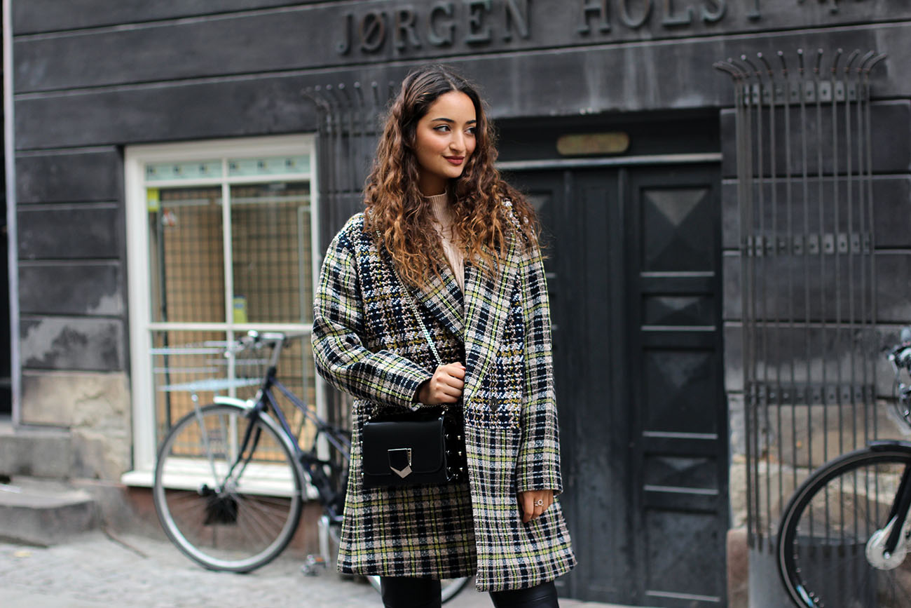 Checked Coat Fashionblogger